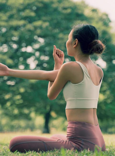 lake-treeby-estate-land-for-sale-girl-doing-yoga-in-park